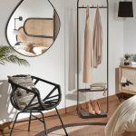 krzesło z podłokietnikam